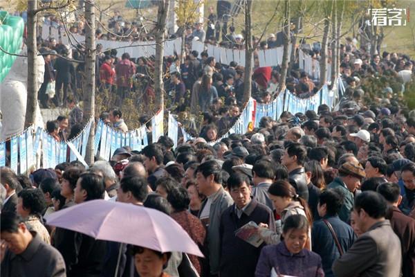 圖集 / 中國到處都有相親大會,花樣百出又速配,這是「逼婚時代」。